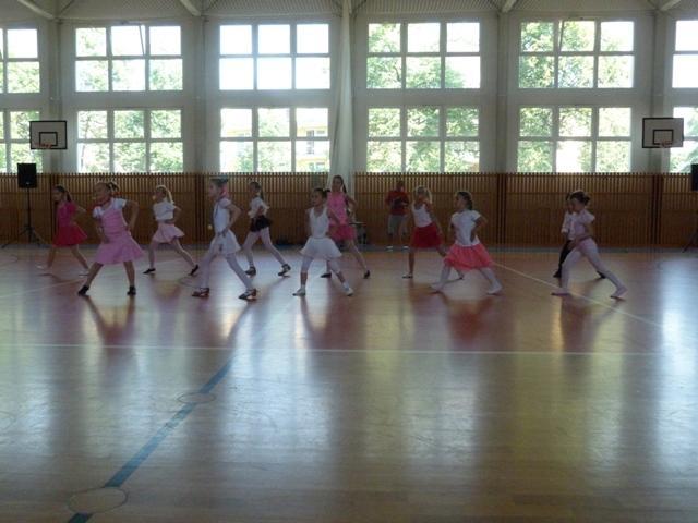 Závěrečná taneční soutěž tanečních kroužků, ZŠ Brušperk - soutěžní vystoupení MIMIMI