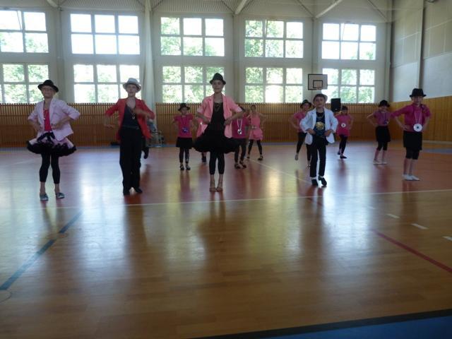 Závěrečná taneční soutěž tanečních kroužků, 6. ZŠ - soutěžní vystoupení UPTOWN