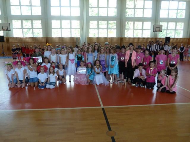 Závěrečná taneční soutěž tanečních kroužků, Stupně vítězů :-) - mírně pokročilí